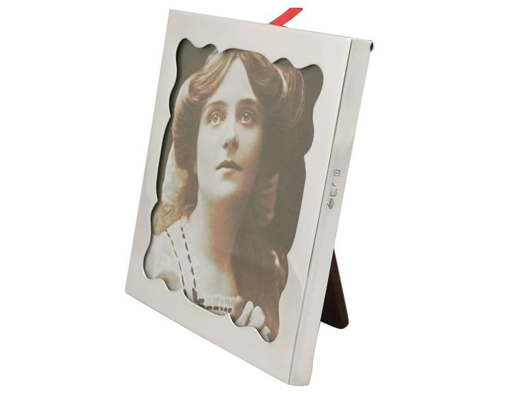 English Edwardian Sterling Silver Photograph Frame by Goldsmiths & Silversmiths Co Ltd For Sale