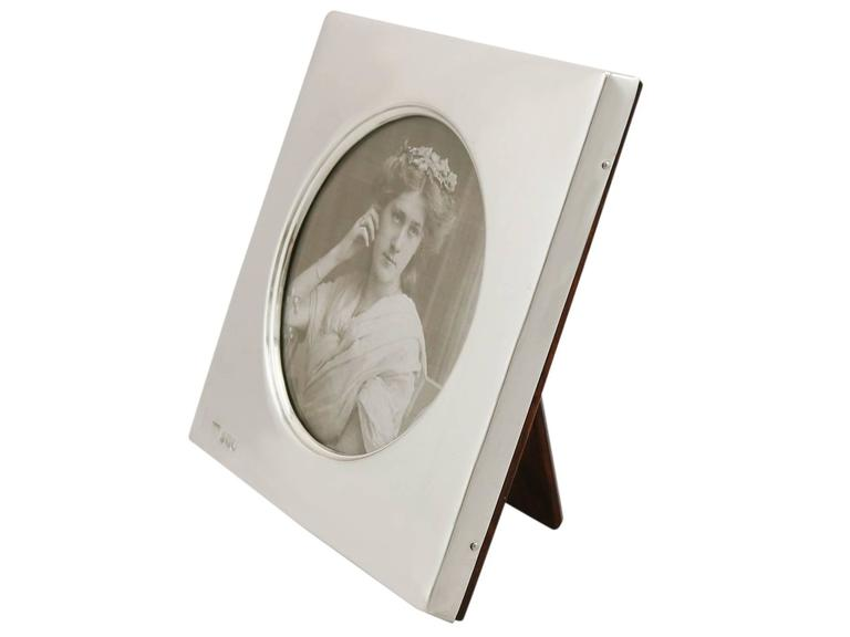 English 1900s Edwardian Sterling Silver Photograph Frame For Sale