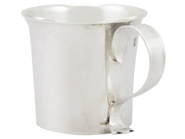 1920s Antique Britannia Standard Silver Christening Mug In Excellent Condition For Sale In Jesmond, Newcastle Upon Tyne