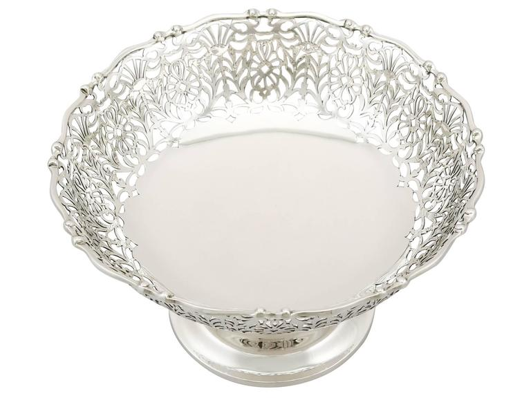 English 1920s Antique Sterling Silver Centerpiece / Fruit Bowl For Sale