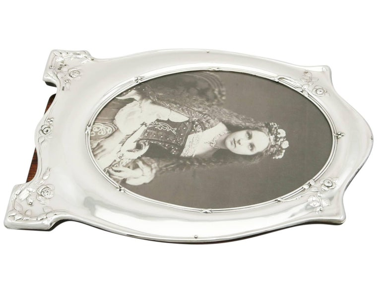 Early 20th Century Antique George V 1910 Sterling Silver Photograph Frame For Sale
