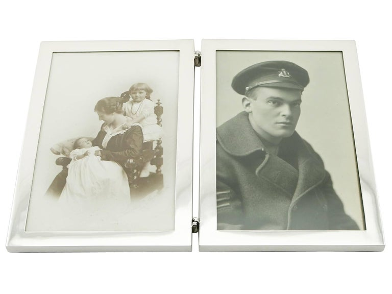 Antique George V Sterling Silver Double Photograph Frame In Excellent Condition In Jesmond, Newcastle Upon Tyne
