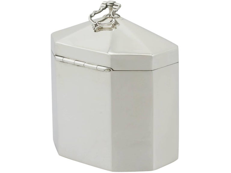 1890s Victorian Sterling Silver Tea Caddy In Excellent Condition For Sale In Jesmond, Newcastle Upon Tyne