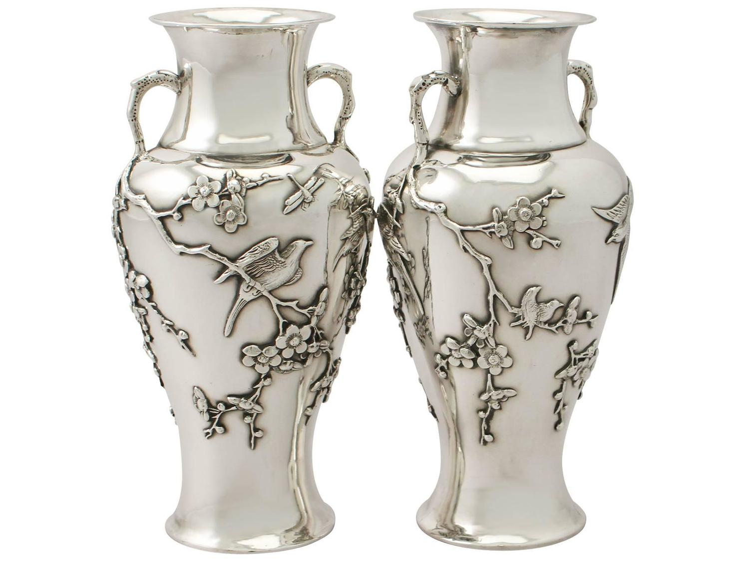 pair of chinese export silver vases antique circa 1890 for sale at 1stdibs. Black Bedroom Furniture Sets. Home Design Ideas
