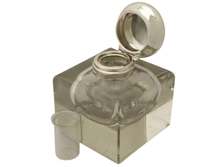 Antique Cut Glass and Sterling Silver Desk Inkwell, George V In Excellent Condition For Sale In Jesmond, Newcastle Upon Tyne