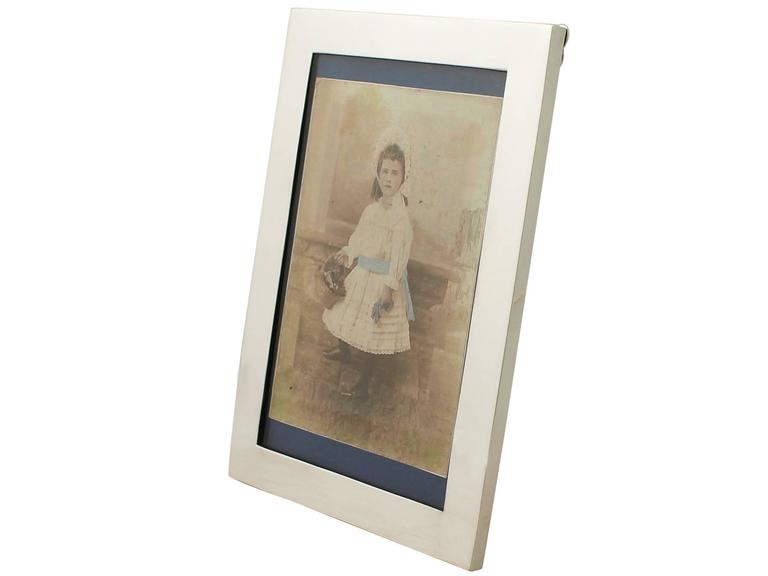 Sterling Silver Photograph Frame In Excellent Condition For Sale In Jesmond, GB