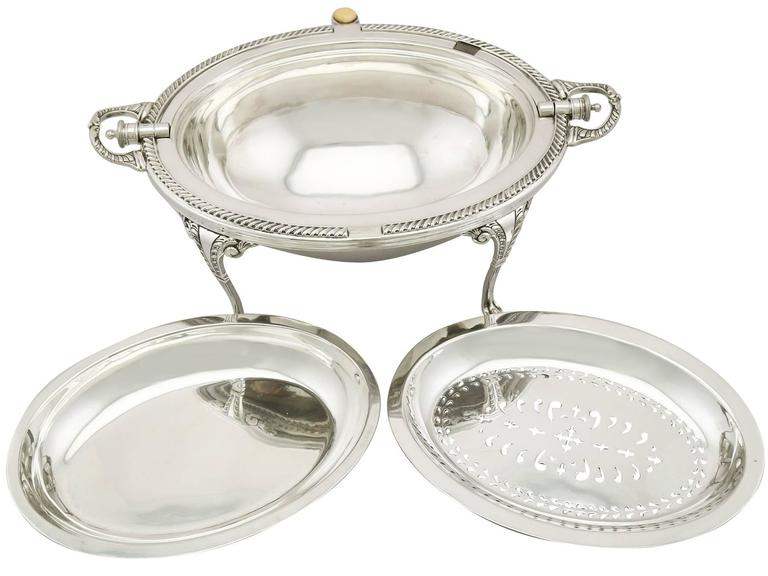 Antique Edwardian English Sterling Silver Breakfast Dish In Excellent Condition In Jesmond, Newcastle Upon Tyne