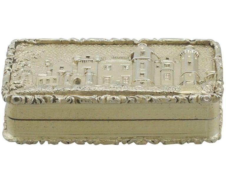 English 1830s Sterling Silver Gilt Vinaigrette For Sale