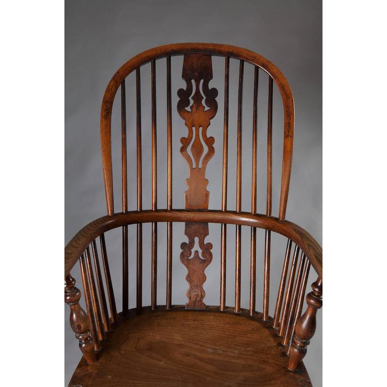 William IV 19th Century Yew Wood Windsor Chair For Sale