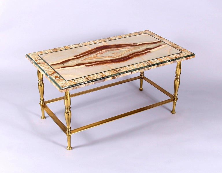 Very fine and rare early 20th century Italian onyx and verde antico cocktail or coffee table, circa 1935. Constructed using only the finest stone, this truly exquisite and refined table is a masterpiece in design. The outstandingly beautiful colours