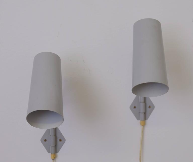 Scandinavian Modern Pair of 1950s Swedish Wall Lights For Sale