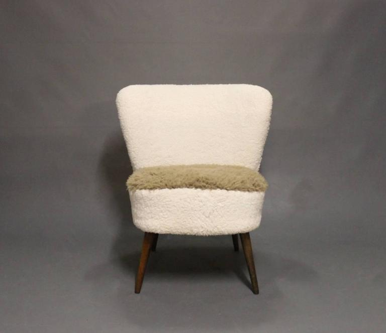 Low Easy Chair in Light Fabric and Legs of Rosewood of Danish Design, 1970s 2