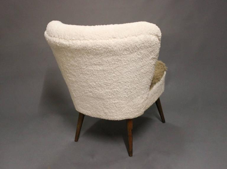 Low Easy Chair in Light Fabric and Legs of Rosewood of Danish Design, 1970s 3