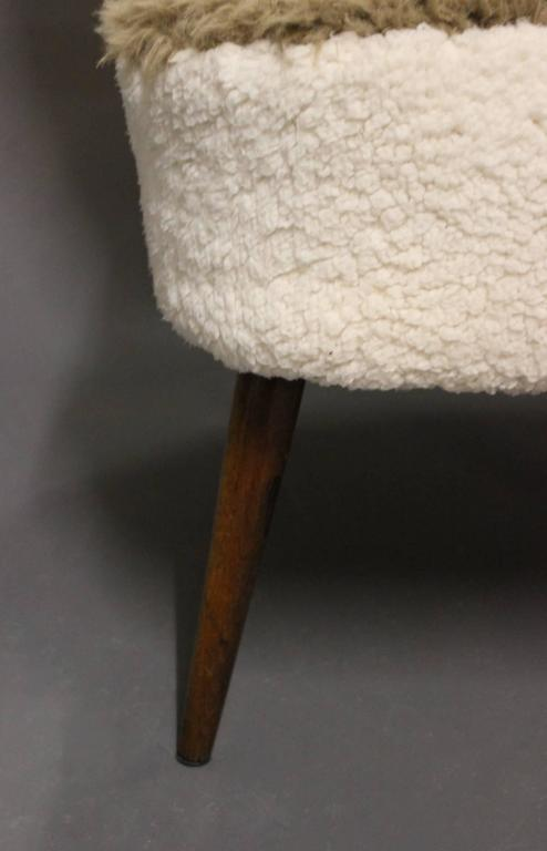 Low Easy Chair in Light Fabric and Legs of Rosewood of Danish Design, 1970s 4