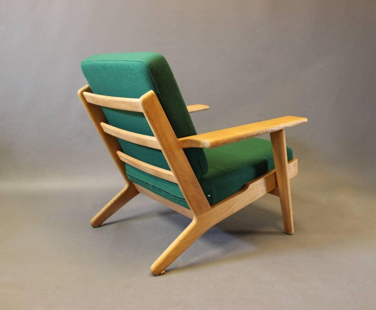 Scandinavian Modern Armchair, Model GE290, by Hans J. Wegner and GETAMA, 1960s For Sale