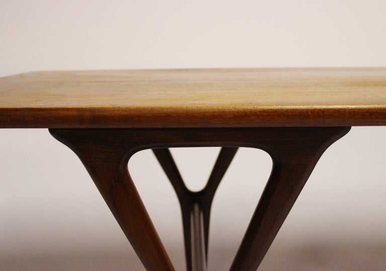 Coffee Table in Teak of Danish Design from the 1960s For Sale 2