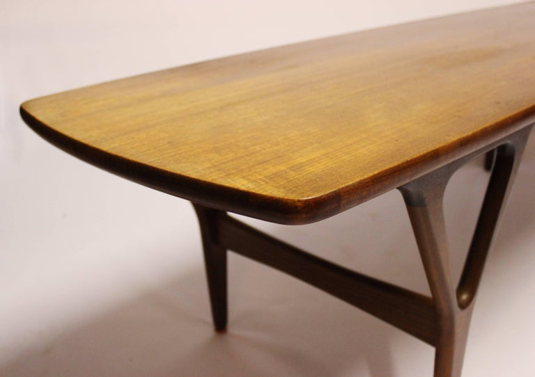 Coffee Table in Teak of Danish Design from the 1960s For Sale 3