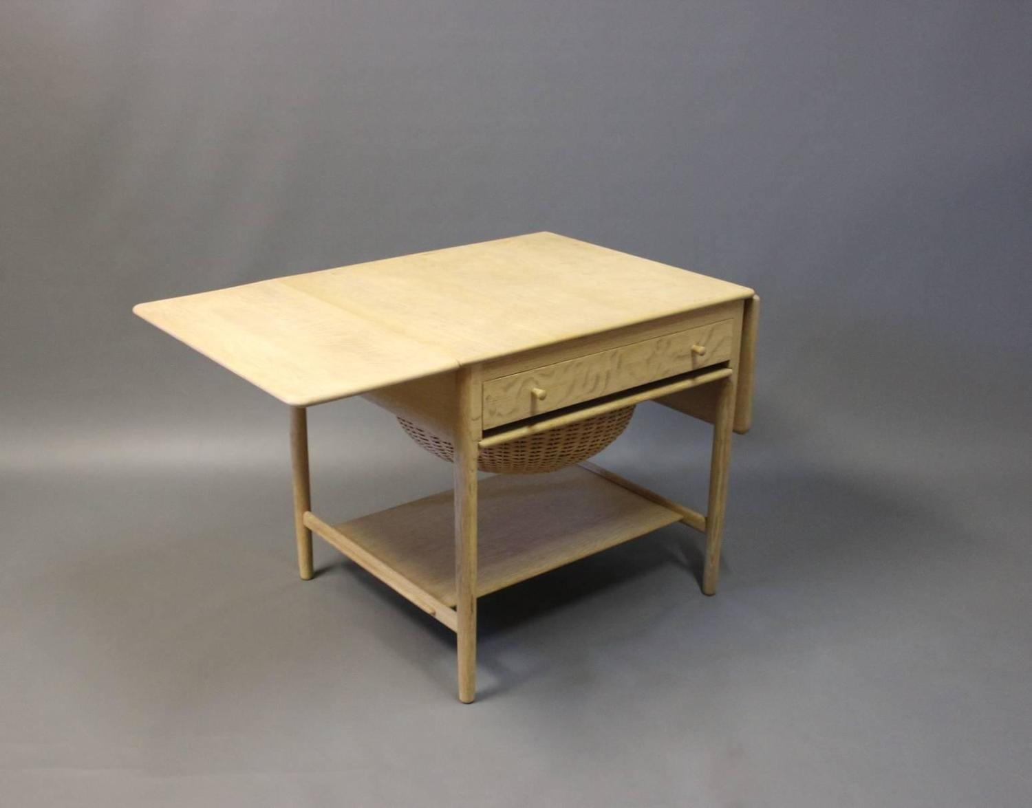 Sewing table model at 33 in oak by hans j wegner and Andreas furniture