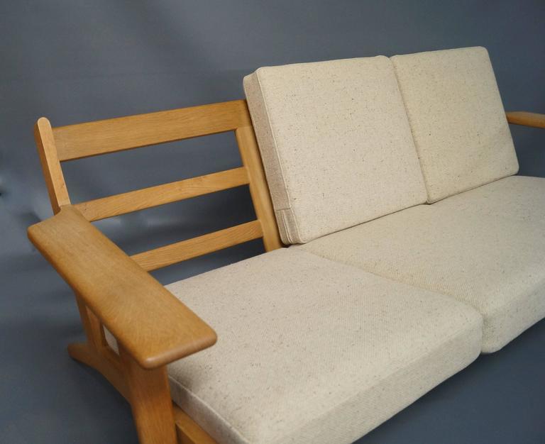 GE 290 Three Persons Sofa Designed by Hans J. Wegner 4