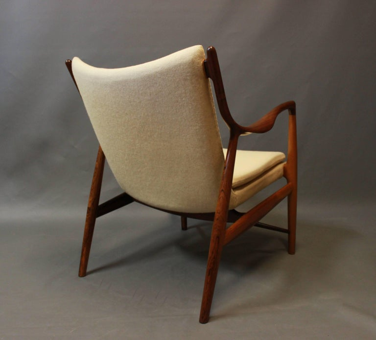 Scandinavian Modern NV45 Armchair in Rosewood and Light Wool by Finn Juhl and Niels Vodder, 1940s For Sale