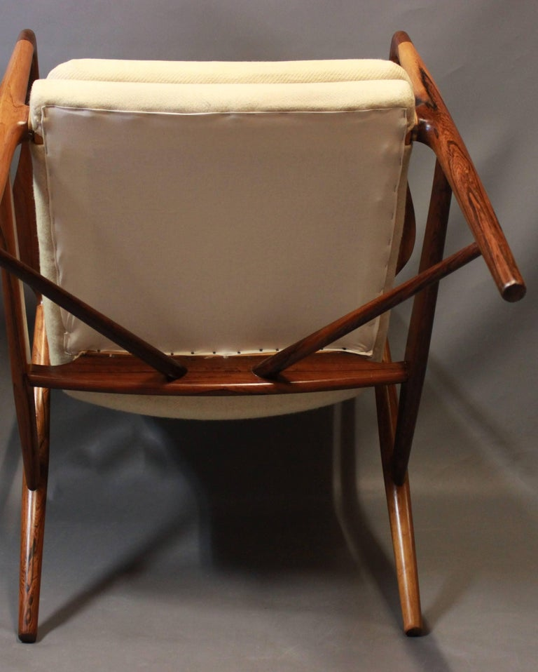NV45 Armchair in Rosewood and Light Wool by Finn Juhl and Niels Vodder, 1940s For Sale 4