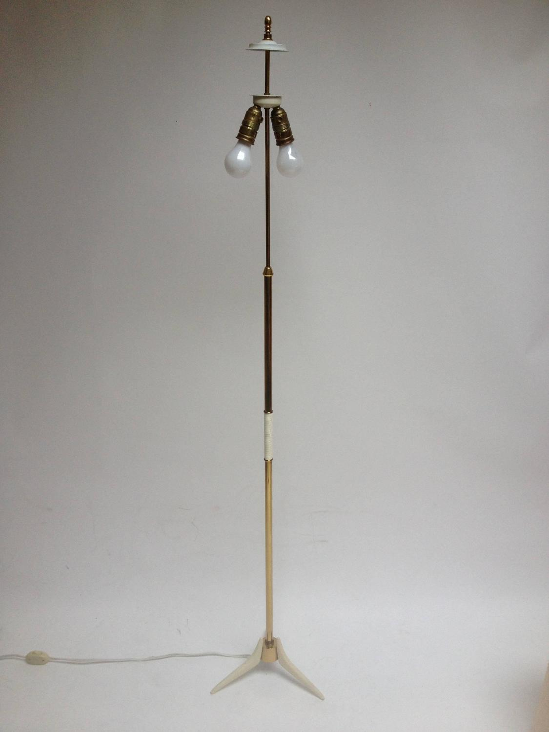 unique mid century modern brass floor lamp for sale at 1stdibs. Black Bedroom Furniture Sets. Home Design Ideas