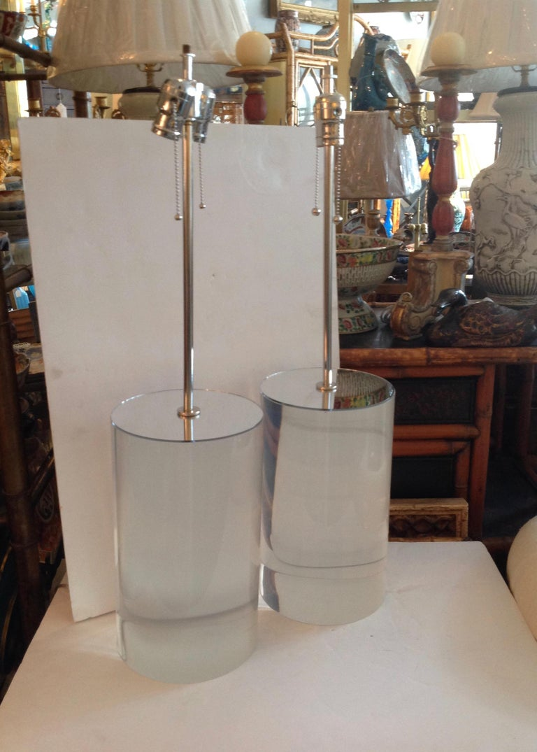 Mid-Century Modern Pair of Karl Springer Style Lucite Table Lamps For Sale