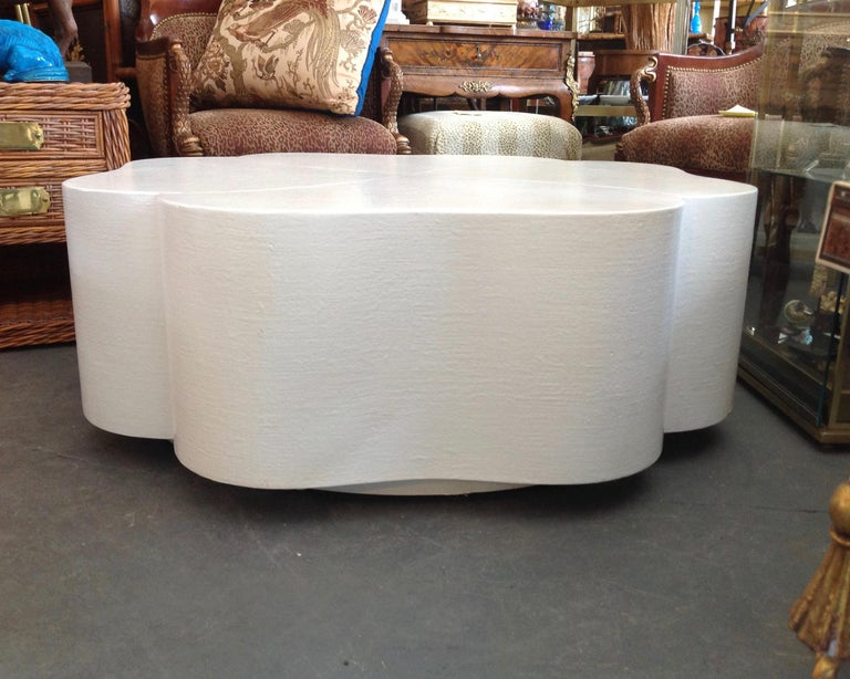 Unusual style fashioned in the form of a four leaf clover and lacquered white. Generously scaled and proportioned.