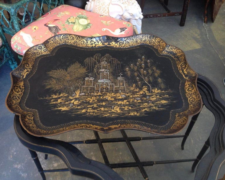 19th Century English Chinoiserie Abalone and Gilt Papier Mâché Tray on Stand For Sale 2