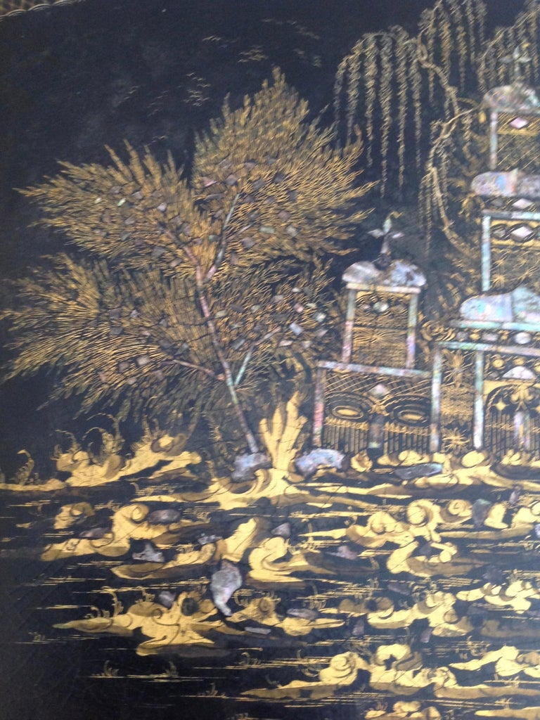 19th Century English Chinoiserie Abalone and Gilt Papier Mâché Tray on Stand For Sale 8