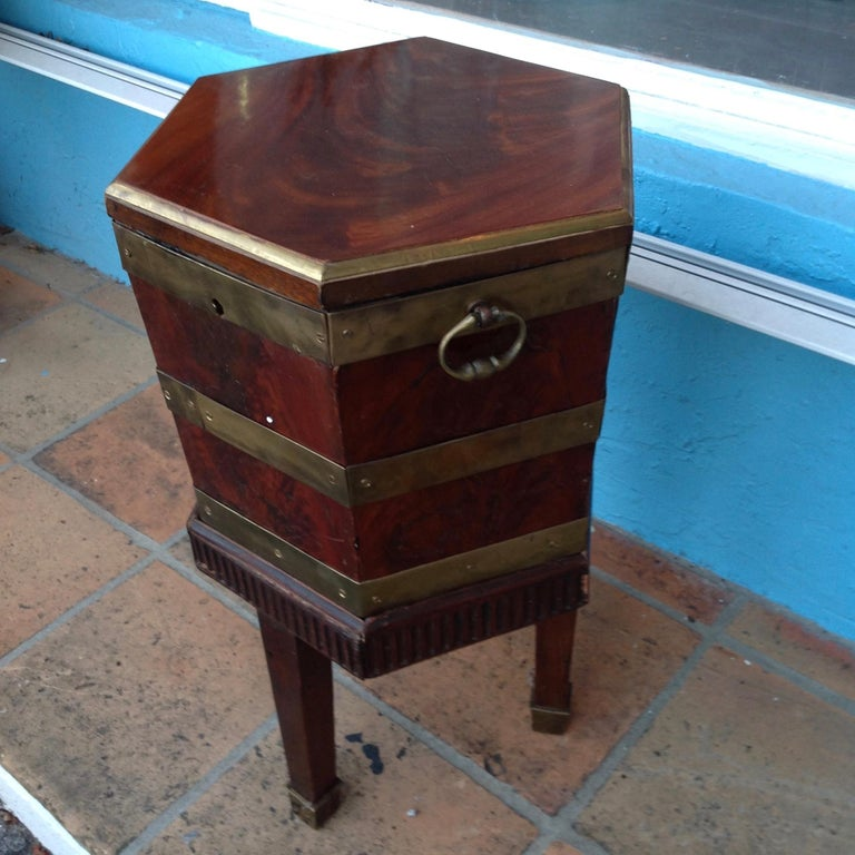 Fine Georgian Wine Cooler In Good Condition For Sale In West Palm Beach, FL