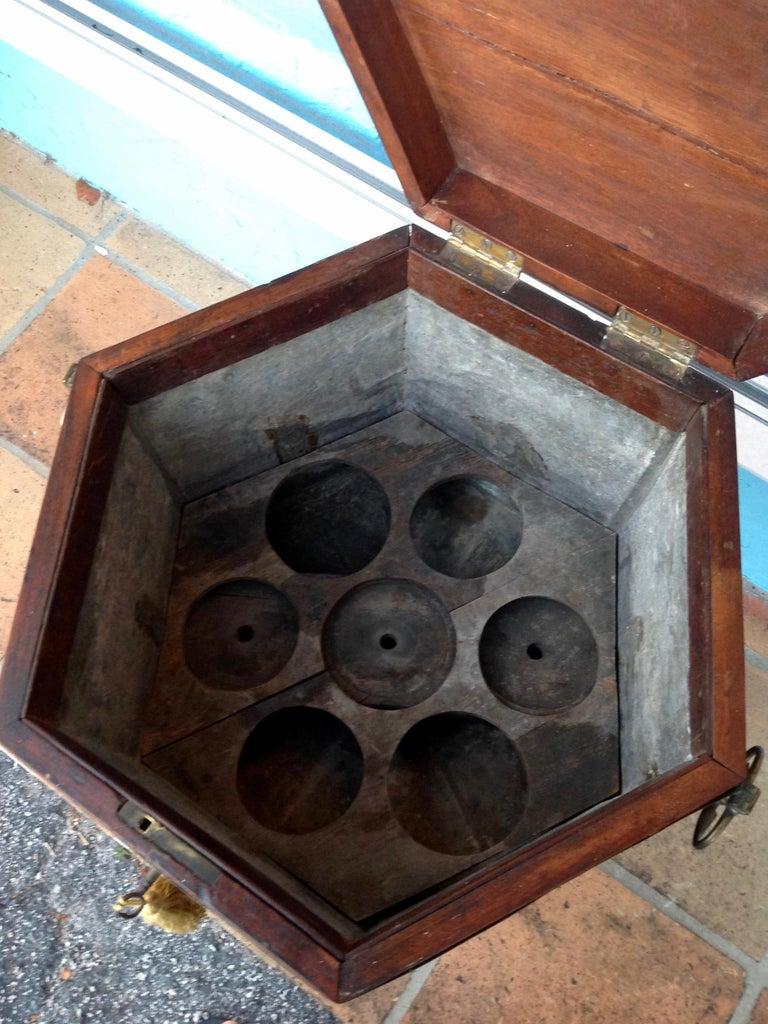 Georgian Period Cellarette In Good Condition For Sale In West Palm Beach, FL