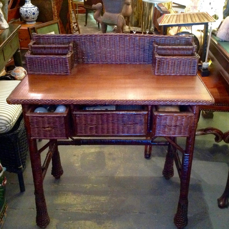 Vintage Natural Wicker Desk In Good Condition For Sale In West Palm Beach, FL