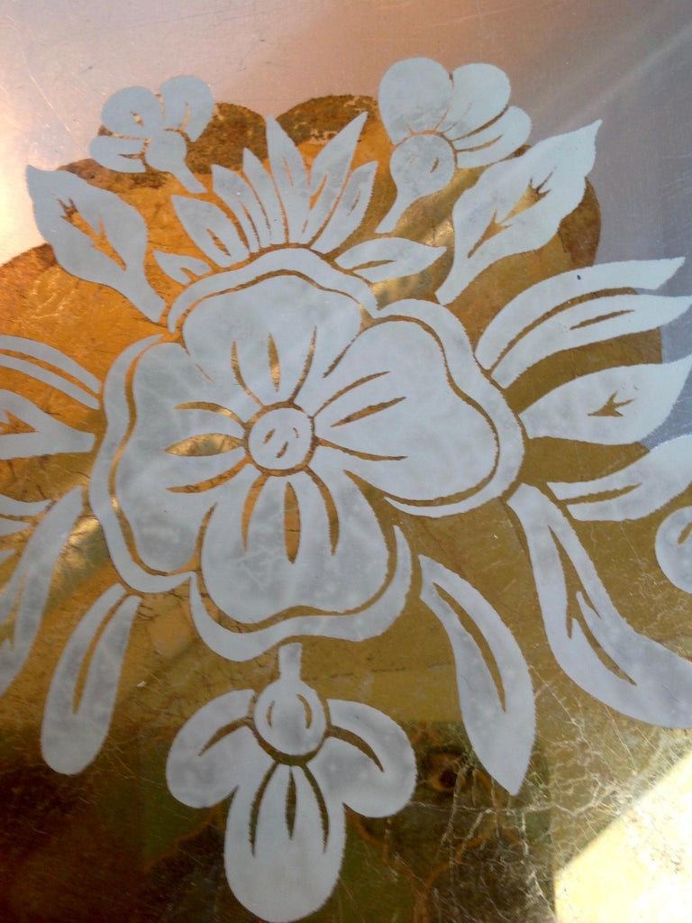 Chic 1940s Reverse Painted Table For Sale 1
