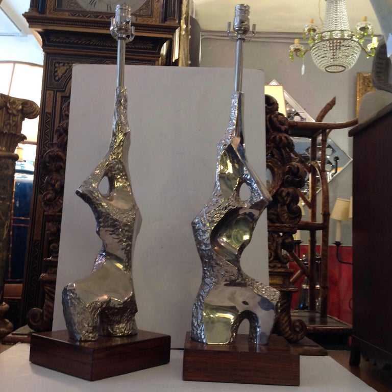 Outstanding examples with a shimmering finish. Mounted on rosewood stands.