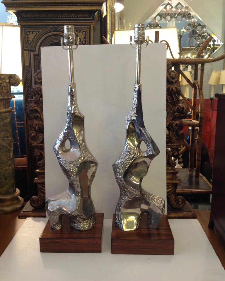 Mid-Century Modern Pair of Maurizio Tempestini Brutalist Rock Form Lamps For Sale
