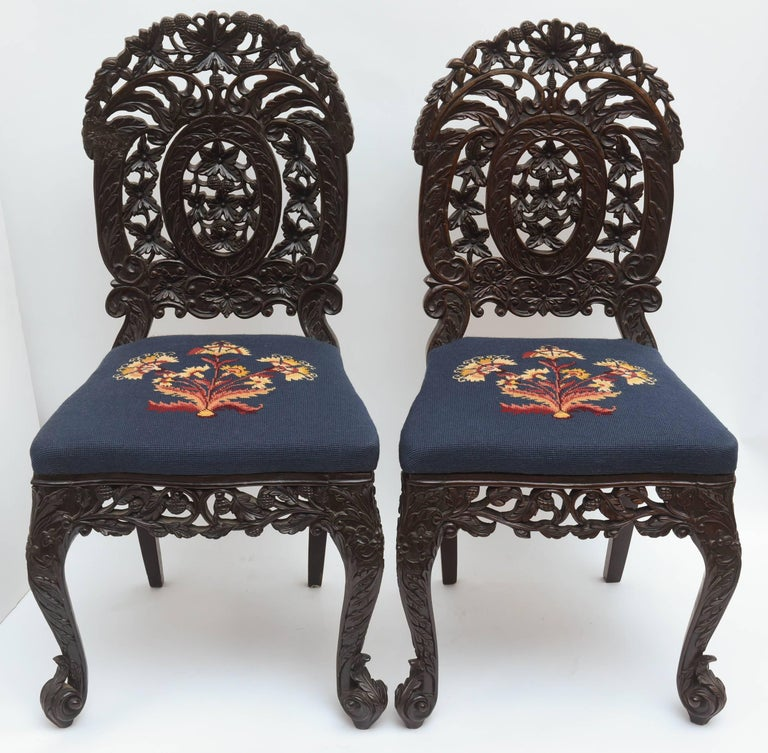 Hand-Carved Superb Pair of  19th Century Anglo-Indian Side Chairs For Sale
