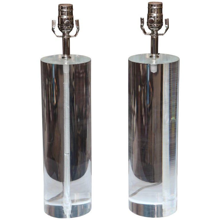 Pair of Midcentury Lucite Cylinder Lamps For Sale