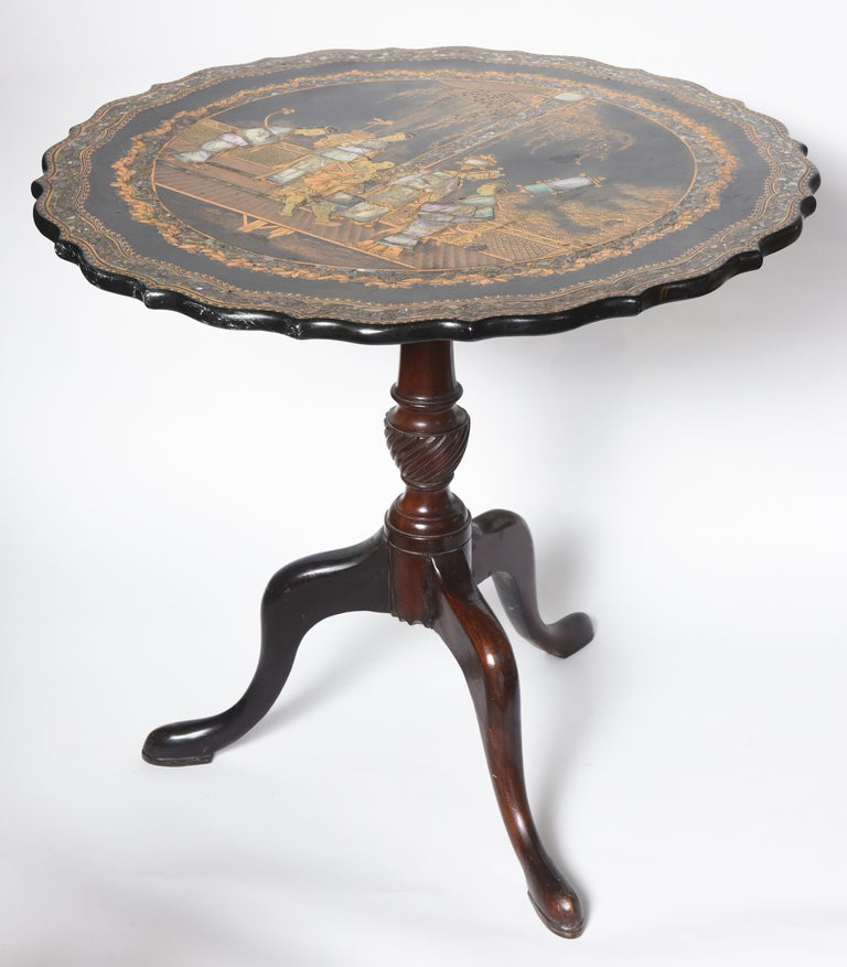 Hand-Painted Georgian Chinoiserie Inlaid Tilt-Top Table For Sale