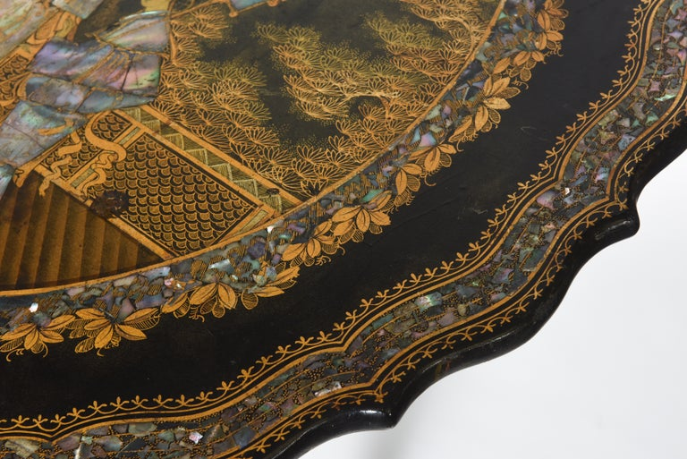 Georgian Chinoiserie Inlaid Tilt-Top Table In Good Condition For Sale In West Palm Beach, FL