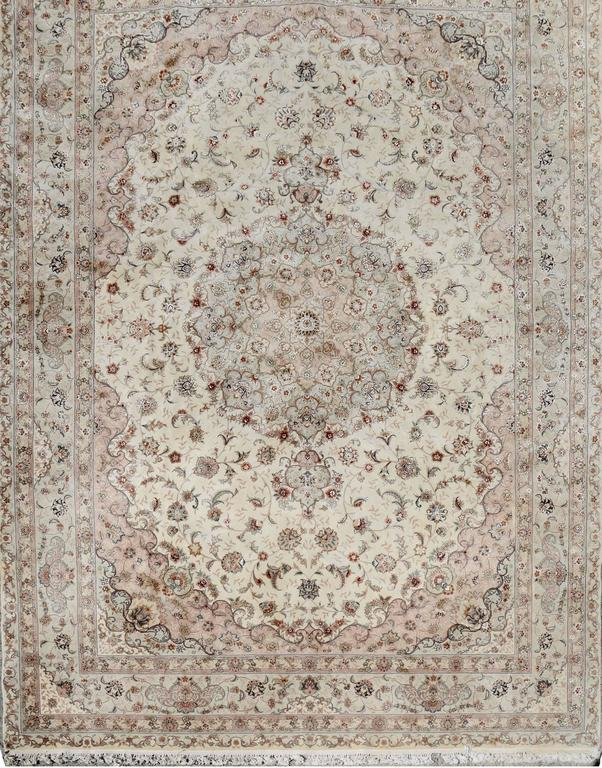 Kashan Persian Style Hand-Knotted Wool and Silk Rug In Good Condition For Sale In Soquel, CA