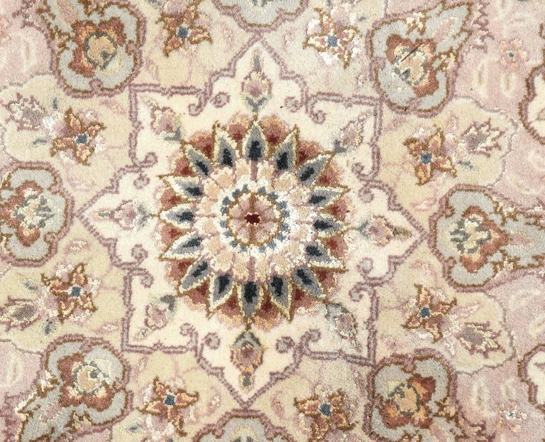 Kashan Persian Style Hand-Knotted Wool and Silk Rug For Sale 2