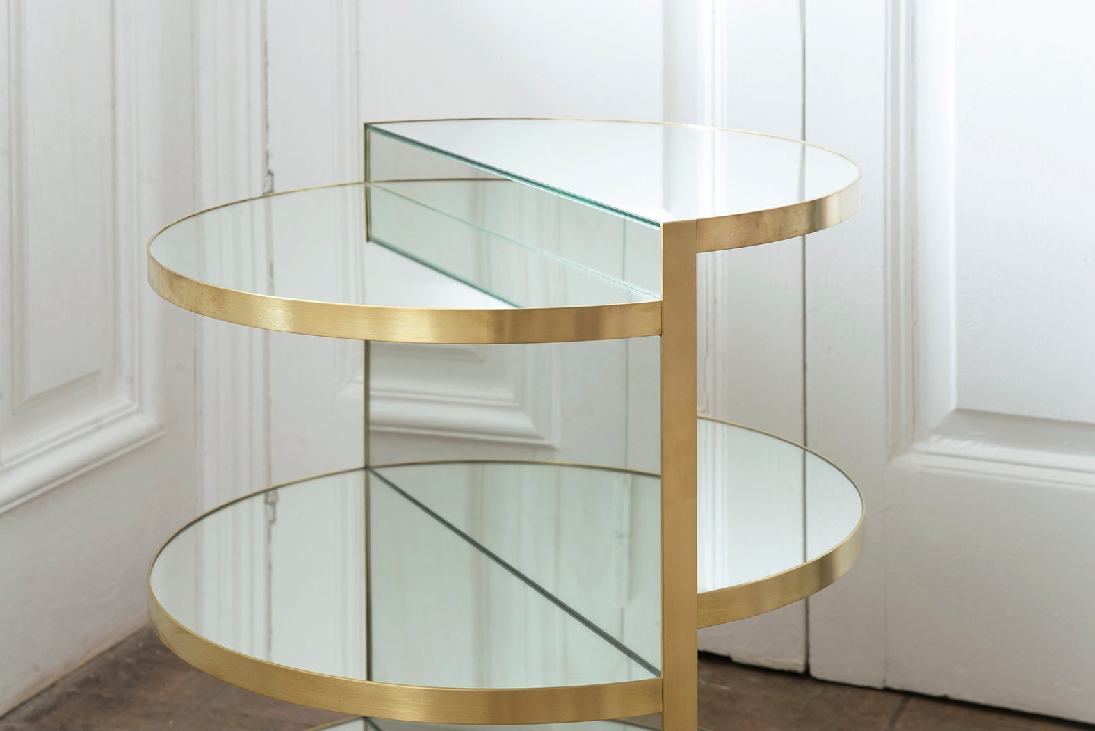 Invisible Brass Side Table Rooms For Sale At Stdibs - Invisible coffee table