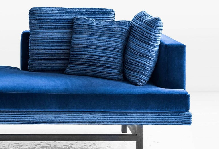 Modern Aragon Chaise in Blue Cotton Velvet on an Ebonized Walnut Base, COM or COL For Sale