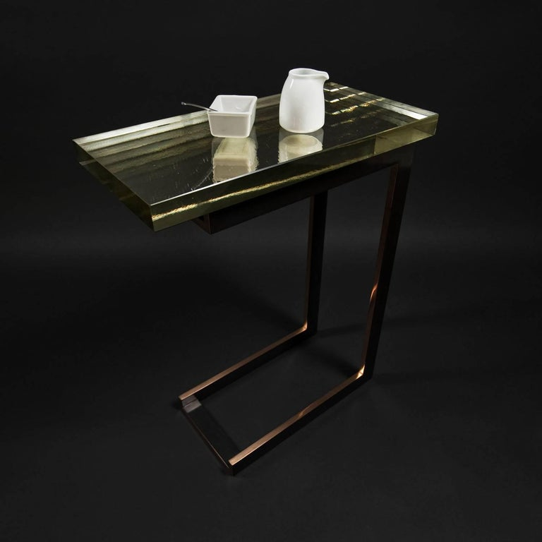 Dempsey Side Table with Mirrored Borosilicate Glass Top and Bronze Base In Excellent Condition For Sale In New York, NY