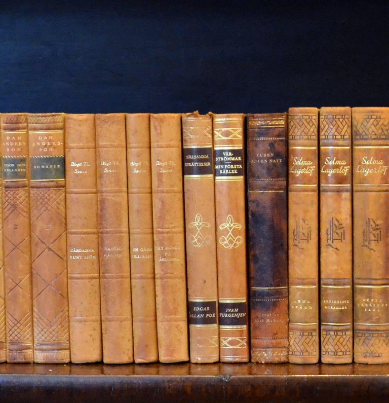 Swedish Meter of Early 20th Century Leather Bound Books, Series 33 For Sale