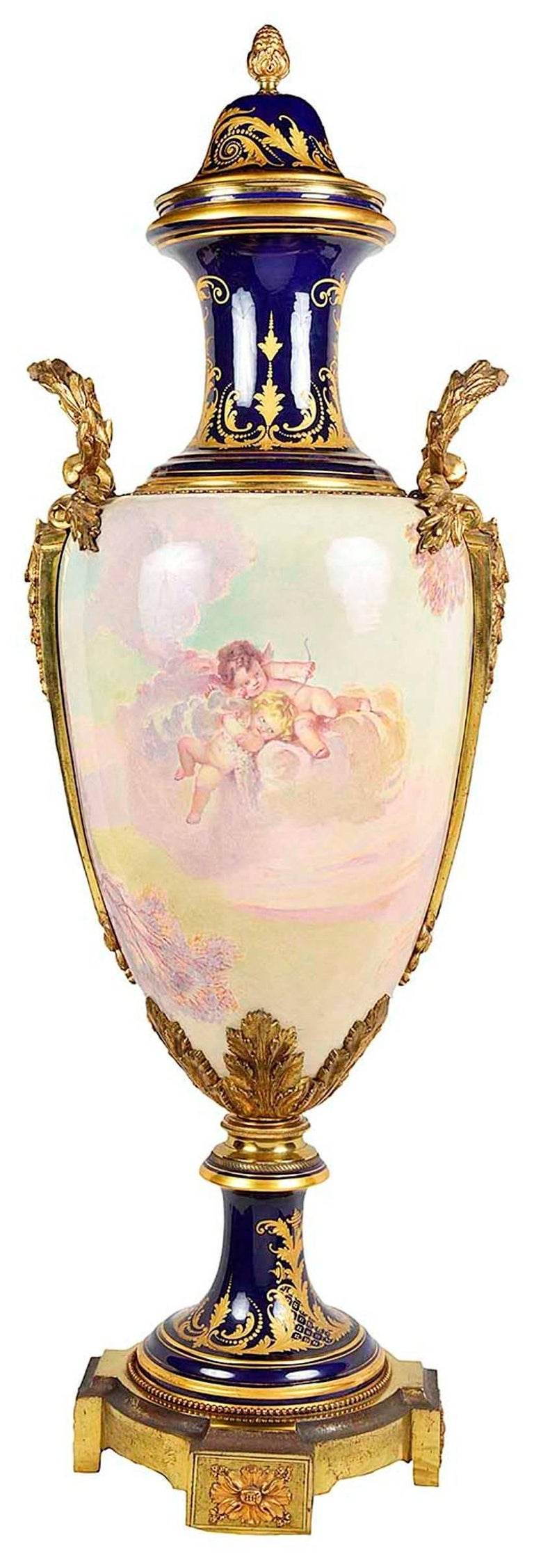 Large 19th Century Sevres Style Porcelain Vase In Excellent Condition For Sale In Brighton, Sussex