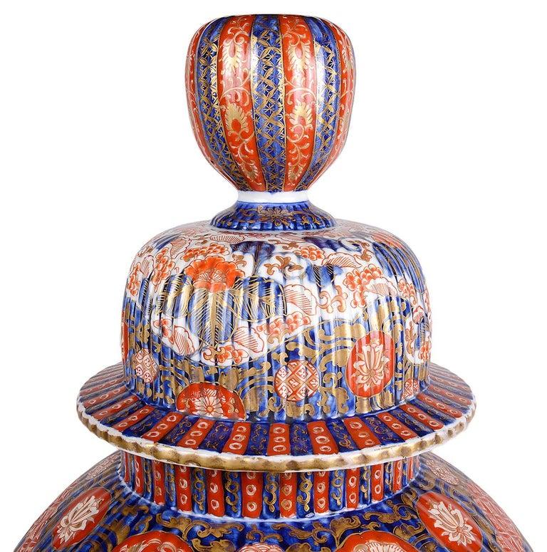 Large 19th Century Imari Vase In Excellent Condition For Sale In Brighton, Sussex