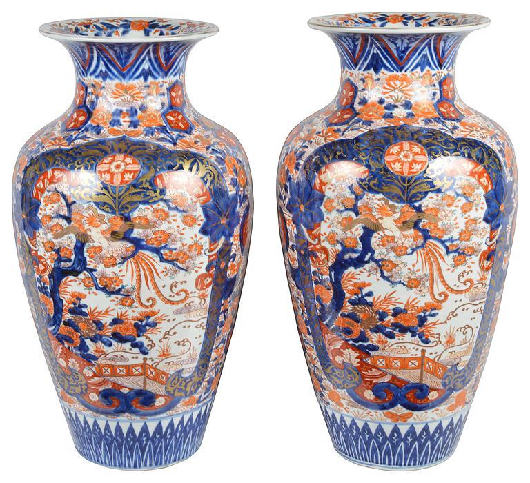 Porcelain Large Pair of 19th Century Imari Vases For Sale
