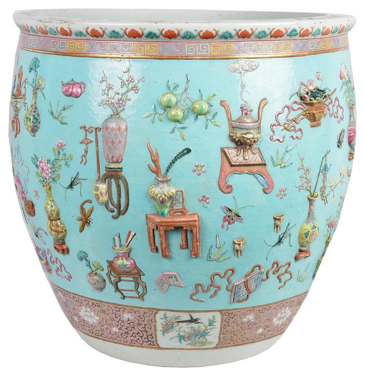 Hand-Painted Chinese 19th Century Famille Rose Fish Bowl For Sale